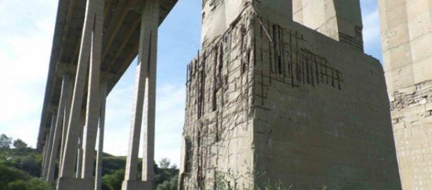 Un altro ponte Morandi a rischio crollo