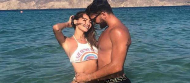 Vidéo buzz du jour : Nabilla Benattia filme Thomas Vergara complètement nu !