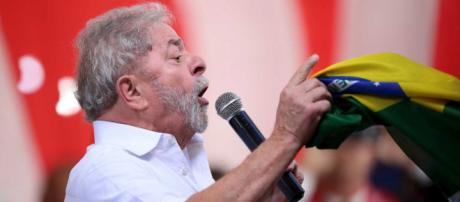 Barroso pode ter decisão monocrática sobre candidatura de Lula