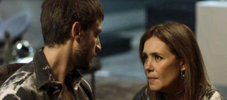 Ícaro volta a se relacionar com Laureta. (Foto: Divulgação TV Globo)