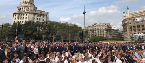Actos de homenaje a las víctimas del 17A junto al Rey Felipe IV y Pedro Sánchez.