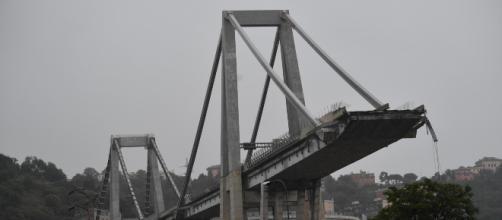 Genova, crollo ponte Morandi: uno strallo d'acciaio avrebbe ceduto