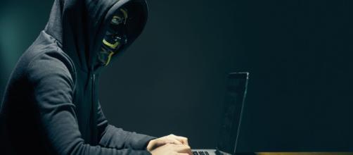 Hacker di 16 anni si introduce nei sistemi della Apple: rubati 90GB di dati