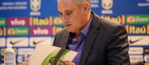 Tite faz a convocação da seleção brasileira para os primeiros desafios do novo ciclo