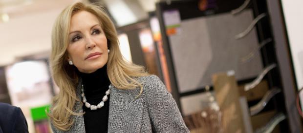 Carmen Lomana está en contra de la exhumación de Franco, los republicanos y la presidencia