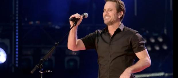 Music and acting continue in harmony for 'Nashville' star Charles Esten with concerts and new TNT series. [image source: Celebs Box - YouTube]