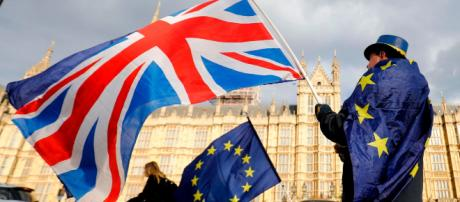 Brexit: First 'no-deal' technical notices to be ... - (Image via newslocker/Youtube)