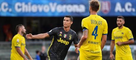 Cristiano Ronaldo estreia com vitória no Juventus   VEJA.com - com.br