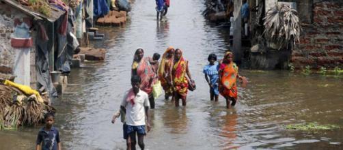 Inundaciones en la India acaban con la vida de cientos