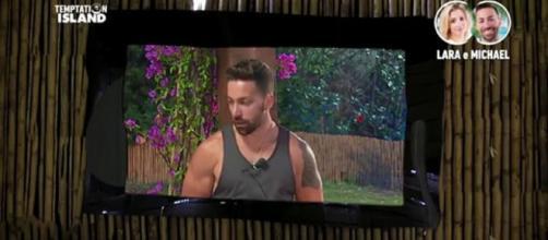 Temptation Island 2018, Michael inganna Lara anche al falò