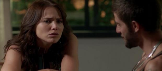 Ícaro descobre que Rosa espera filho dele. (Foto: Divulgação TV Globo)