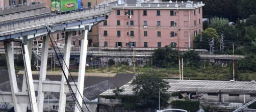 Desastre de Génova provoca acusación y polémica política