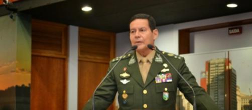 General Mourão estará em palestra com Thompson Flores
