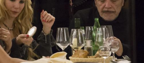 Nino Frassica e Barbara Exignotis sono marito e moglie - yahoo.com
