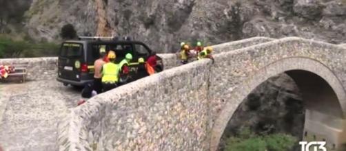 Tragedia in Calabria, torrente in piena travolge escursionisti: 8 morti sul Pollino