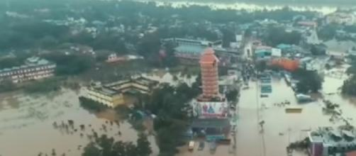 Worst floods in a century kill at least 324 in India's Kerala. [Image courtesy – Euronews (in English), YouTube video]