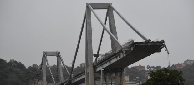 Crollo ponte a Genova: pericolo di ulteriori crolli
