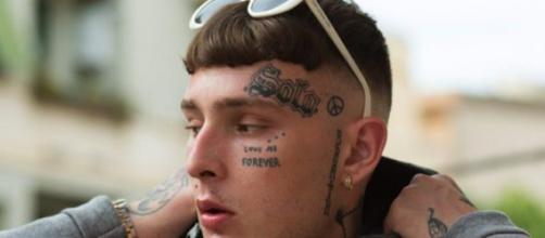 Durissimo sfogo di Side Baby contro i rapinatori che lo hanno privato del suo Rolex