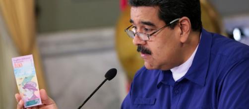 Le Venezuela multiplie les salaires pour sauver son économie