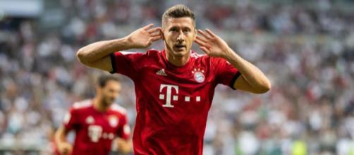 Robert Lewandowski est visé par le Real Madrid, mais le Bayern Munich refuse tout départ pour lui.