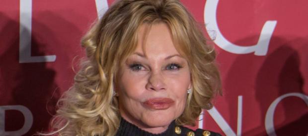 Melanie Griffith sorprende con rostro renovado