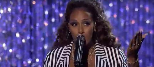 Singer Glennis Grace grabs her wow moment in the 'America's Got Talent' live quarterfinals this week. [Image Source: AGT - YouTube]