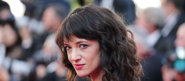 Asia Argento accusata di molestie sessuali: Tmz pubblica sms e foto privati dell'attrice