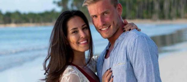 Tom (La Bataille des Couples) est en réanimation suite à un grave accident de moto.