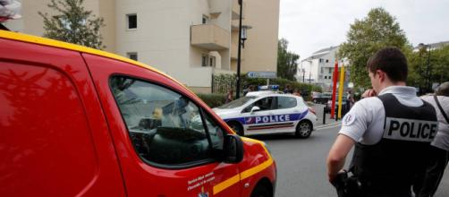 Attaque au couteau à Trappes : deux morts et au moins un blessé grave, l'assaillant tué