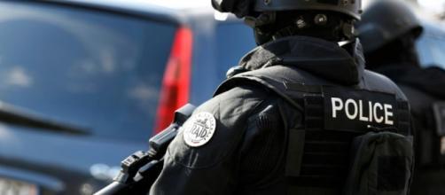 Attaque au couteau à Trappes : l'assaillant a été maîtrisé et abattu
