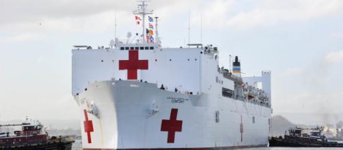 EE.UU. enviará un buque para atender a venezolanos en Colombia