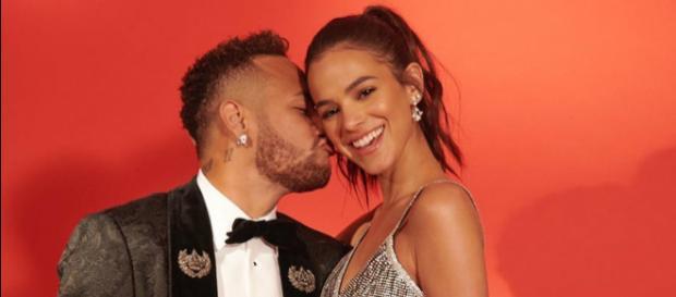Para a irmã de Neymar, é normal que um casal de namorados pense em casamento.
