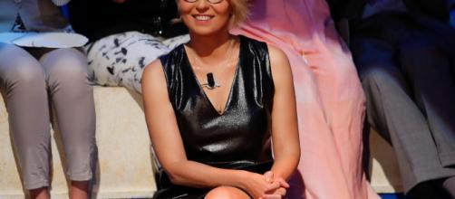 Alba Parietti punzecchia Maria De Filippi: 'Chissà cosa c'è di me che non le va'