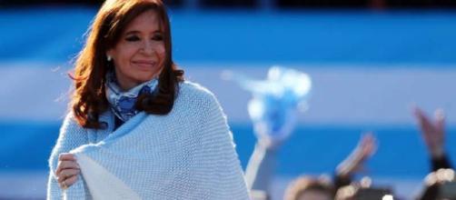Polícia argentina fez operação em três residências da senadora e ex-presidente Cristina Kirchner
