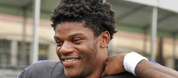On last day of practice before preseason, Ravens' Lamar Jackson ... - (Image via baltimoresun.com/Youtube)