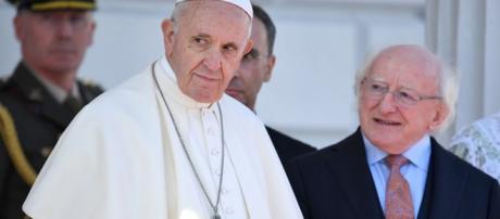 décadas de escándalos de abuso han dañado la reputación de la iglesia y debilitado su influencia