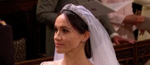 Las tiaras son solo para las mujeres casadas de la realeza