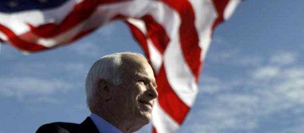 Muere el senador republicano estadounidense John McCain, víctima de un cáncer cerebral diagnosticado el pasado mes de mayo. - mundohispanico.com