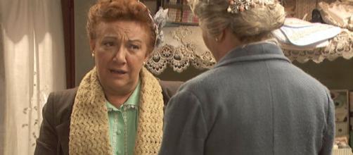 Anticipazioni Il Segreto: Dolores prima di sposare Tiburcio fa i conti con la suocera