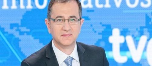 El director de Telediario, Pedro Carreño ha sido destituido de TVE por orden de Begoña.