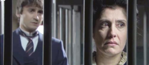 Una Vita: Rosina viene arrestata dopo aver schiaffeggiato la rivale
