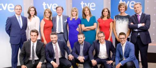 Foto grupal de los presentadores de TVE