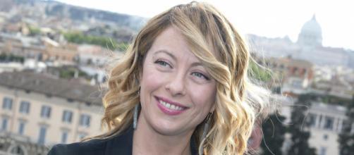 Giorgia Meloni denuncia la piaga del caporalato dal suo profilo Facebook e detta al governo l'agenda delle riforme