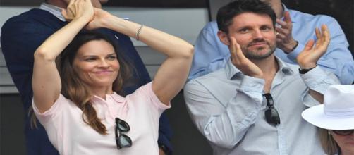Hilary Swank se casa en secreto con el emprendedor Philip Schneider