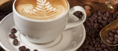 L'astinenza da caffeina può provocare violenti mal di testa e stanchezza fisica e mentale, ma il caffè avrebbe anche proprietà analgesiche