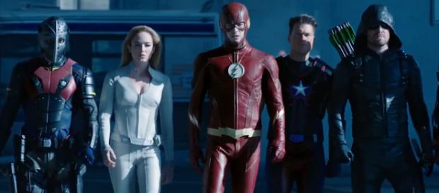 The new 'Arrowverse' crossover will likely introduce the Justice League to the small-screen [Image Credit: Emergency Awesome/YouTube screencap]
