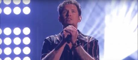 Singer Michael Ketterer moves Simon Cowell to tears with his America's Got Talent quarterfinals song. [Image source:Talent Recap-YouTube]