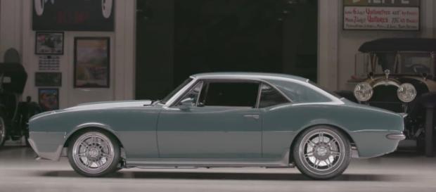 El automóvil modelo Camaro obsequiado por Downey Jr.