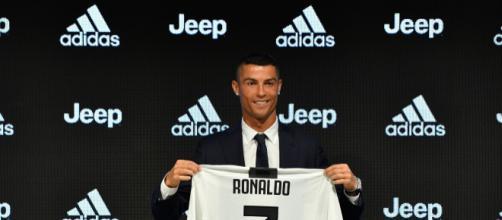 Juventus, Cristiano Ronaldo e Paulo Dybala sorridenti in allenamento