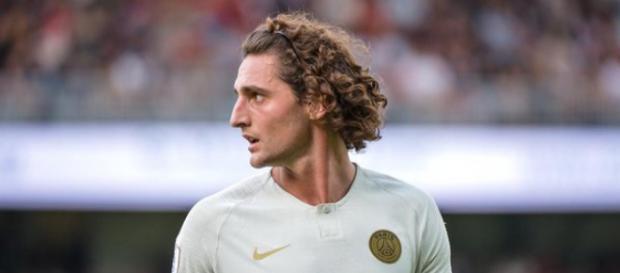 Manchester City vient de s'immiscer dans le dossier Rabiot, alors que le joueur n'a toujours pas prolongé avec son club.